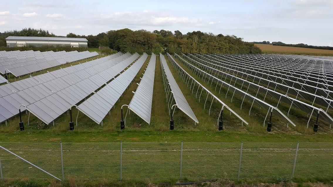 solar-panel-farm